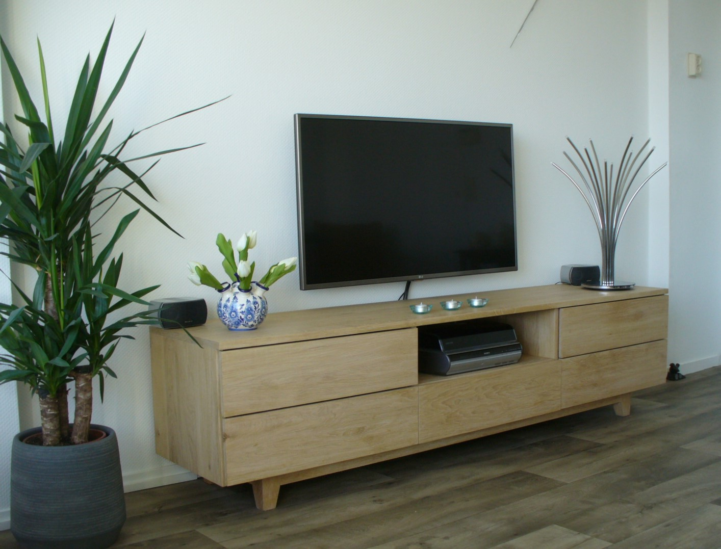 eiken tv dressoir